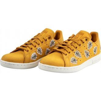 Női stílusos cipő